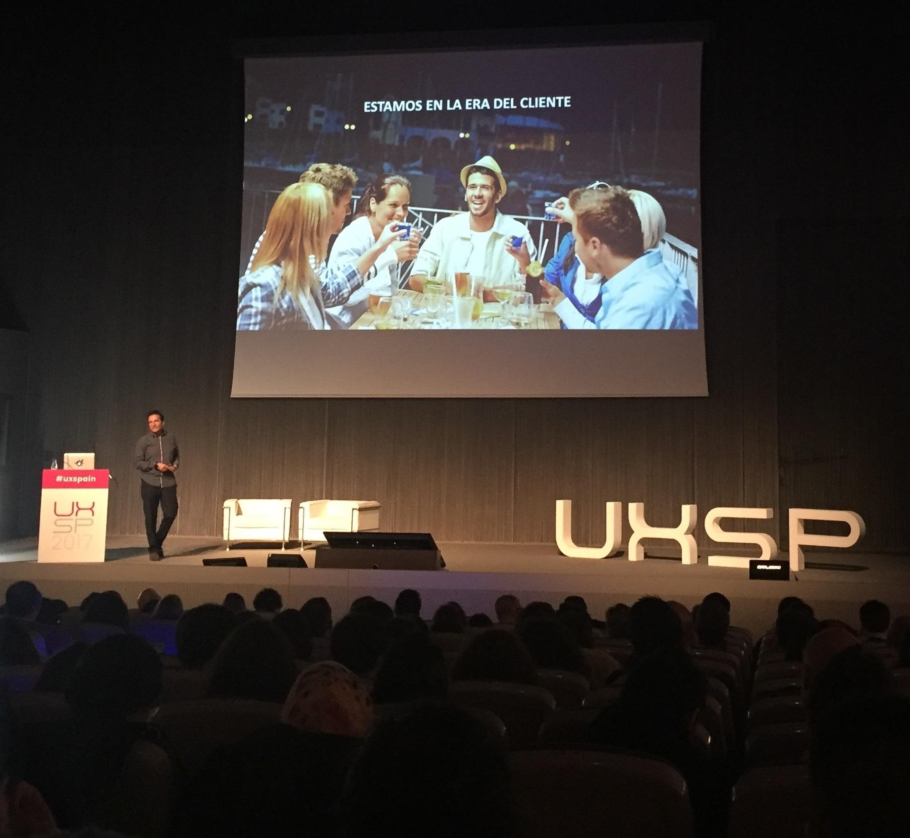 "Óscar Méndez, de Stratio, en su charla ""AI (Artificial Intelligence), the next revolution for UX and CX"""