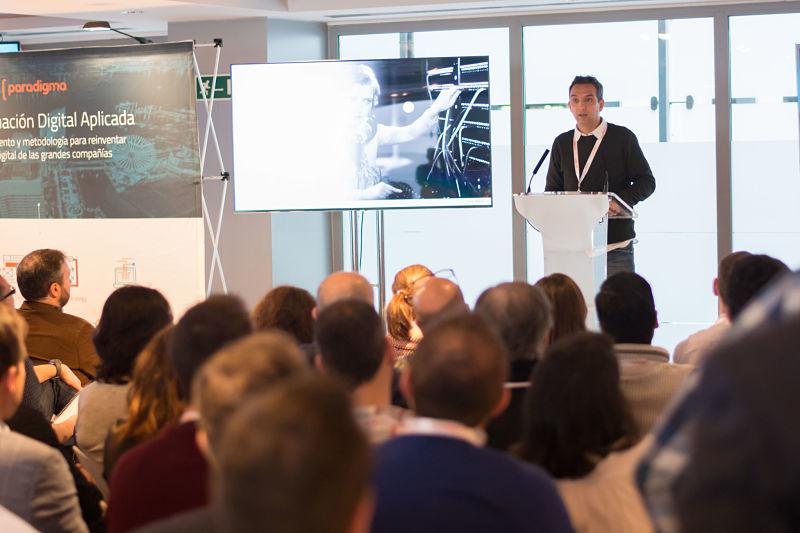Miguel Garrido en la charla 'Aplicaciones cloud nativas sobre PaaS: así se trabaja en la era digital'